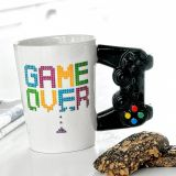Taza Game Over asa mando