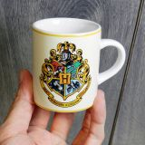 Mini Taza Harry Potter Hogwarts escudo
