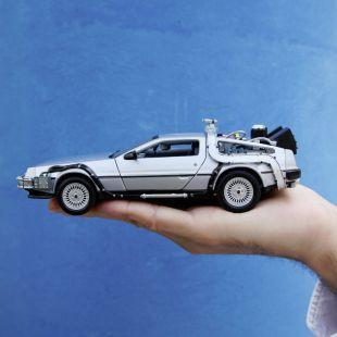 Coche DeLorean de Regreso al Futuro 1:24