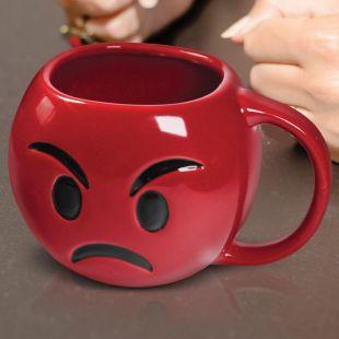 Taza emoticono rojo enfadado