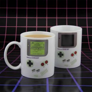 Taza oficial Game Boy que cambia de color